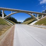 Bewegender Bundesstraßenbau: 130 Kilometer Waschbeton