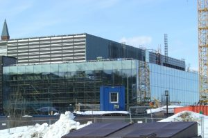 Lebendiges Kulturcenter aus Glas