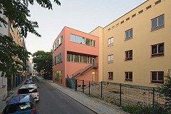 Anbau einer Mensa und eines Hortes an eine Schule in Berlin