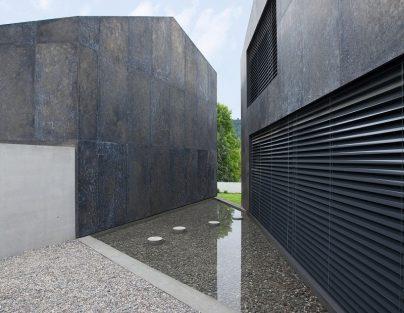 Getrenntes Doppelhaus in der Schweiz