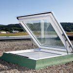 Das neue Ausstiegsfenster Flachdach hat einen Öffnungswinkel von ca. 60 Grad und ist in drei Größen erhältlich.