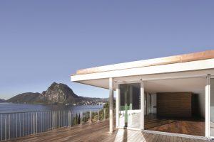 Auch für Holzbeläge: Terrassendielen mit Drainagen sicher planen und ent-wässern