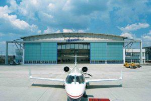 DCA-Hangar, Abfertigung- + Servicegebäude