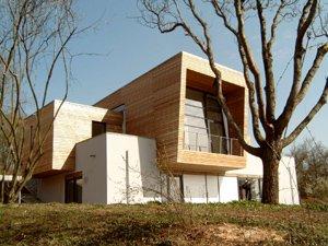 Exponiertes Wohnhaus im Landschaftsschutzgebiet