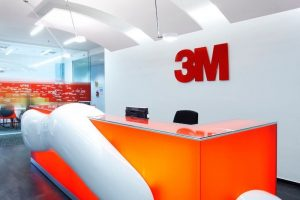 Armstrong Canopy Optima Curved konkav, 3M Office, Prag, Tschechische Republik