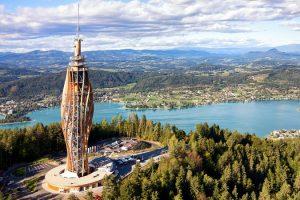 600 m³ Holz, davon 500 m³ BS-Holz, und 300 t Stahl wurden im Aussichtsturm verbaut.