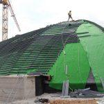 Das Optigrün-Schubsicherungssystem Seil-Schwelle beim Einbau