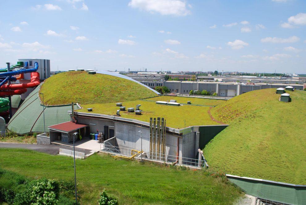 3.800 Quadratmeter Steil- und Flachdachbegrünung AquaWorld Mailand in der Übersicht