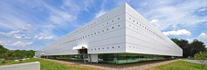 In der neuen Forschungsanlage stehen auf 3.500 Quadratmetern der Mensch, seine Gesundheit und seine Leistungsfähigkeit im Mittelpunkt.