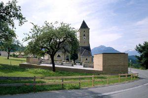 Friedhofsgestaltung mit Totenkapelle in Batschuns