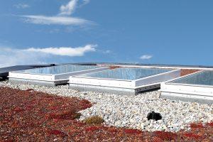 """Mit dem LAMILUX CI-System Glaselement FEenergysave+ steht Architekten und Planern das erste Passivhaus-zertifizierte Oberlichtelement für die Klimaregion """"kalt"""", beispielsweise im Alpenraum und Skandinavien, zur Verfügung."""