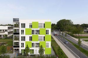 """Eine """"energieintelligente Fassade"""", die zu jeder Jahreszeit Energie erzeugt und speichert, macht das Haus """"Smart ist Grün"""" zu einem """"Effizienzhaus-Plus""""."""