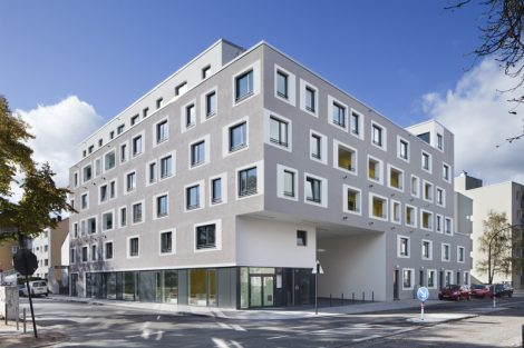 Ernst-Flatow-Haus: Gemeindezentrum und Wohnbebauung, Köln