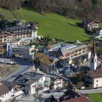 Mit insgesamt 3.600 Bohrmetern war das Bauvorhaben im Zillertal bislang eines der größten Geothermieprojekte in Österreich und weltweit das erste in verkarstetem Marmorgestein.