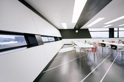 Gebäude 09 Mercedes-AMG