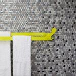 Zimmerkategorie Platin: Unterschiedliche Nuancen einer Farbrichtung bilden ausdrucksstarke Solisten, die sich dann in der Gesamtfläche zu einem harmonischen Orchester verbinden. Details wie leicht überglasierte Kanten oder eine spezielle Glasurapplikation