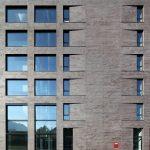 Einschalige Außenwand mit WDVS und Klinkerriemchen als kostengünstige Alternative zum zweischaligen Sichtmauerwerk
