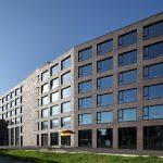 2.600 m² Riemchen und 5.000 Winkel fertigte der deutsche Keramikproduzent Ströher in einer individuellen Sonderfarbe.