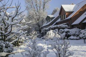Bevor der Schnee zur Last wird – optimaler Schneeschutz mit System von Wienerberger.