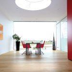 Der Einfall von viel Tageslicht stand beim Neubau der Zentrale der Firma SVG in Ötisheim im Fokus.