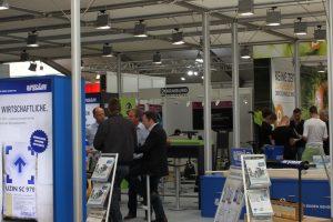 Zur Messe EPF 2014 in Feuchtwangen präsentierte Uzin zwei Schnellzemente und zwei Dünnestriche, die das Estrichsortiment ab sofort erweitern.