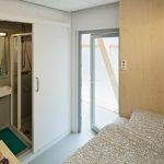 Die funktionalen Wohnkuben sind auf das Wesentliche reduziert und passen sich studentischen Wohnbedürfnissen an.