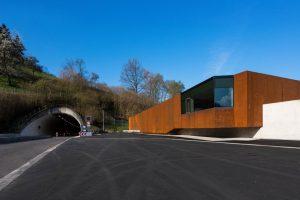 Tunnelbetriebsgebäude in Waldkirch von Gabriele Gruninger