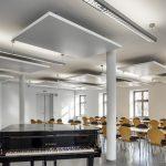 Das Gemeindezentrum Penzlin erwarb zehn Metall Canopys, um die Raumakustik zu verbessern.
