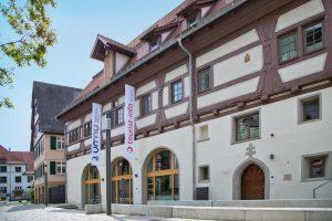 Neues Ausstellungskonzept für die älteste Eiszeitkunst: Das Urgeschichtliche Museum Blaubeuren wurde erweitert und im Mai 2014 neu eröffnet.