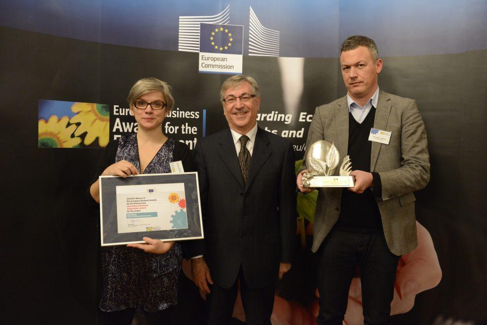 Laure Rondeau Desroches (External Sustainability Manager Europe, Interface), Karmenu Vella (EU-Umweltkommissar), Jean Marc Guibaud (Mitarbeiter im Vertrieb für die Region Lyon, Interface)
