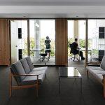 Gemischte Bürozone mit Loungebereich