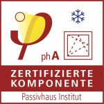 Das Passivhaus Institut zertifizierte das Velux Integra Solarfenster GGU mit der Passivhaus-Effizienzklasse phA (advanced component).