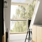 Das Velux Cabrio Dachfenster ist mit wenigen Handgriffen zu einem balkonähnlichen Dachaustritt ausklappbar.