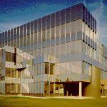 Verwaltungsgebäude und Fertigungserweiterung