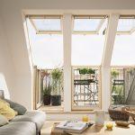 Mit dem Velux Dachbalkon profitieren Dachgeschossbewohner im Sommer von einem Austritt ins Freie und müssen sich im Winter dank serienmäßiger Energy-Star-Verglasung keine Sorgen vor unnötigen Wärmeverlusten machen.
