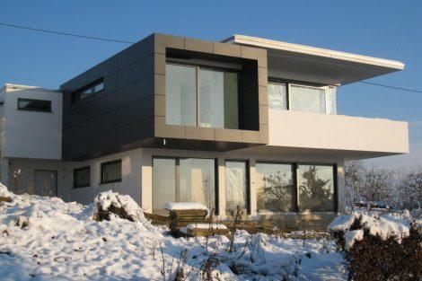 Wohnhaus am Hang