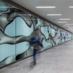 Der neuer Personentunnel Nord mit der Kunst- wand von Peter Kogler