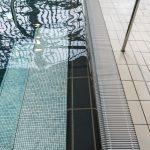 Filigranes Keramik-Mosaik von Jasba wurde im Aquarama gekonnt kombiniert mit Schwimmbad-Keramik von Agrob Buchtal.