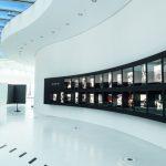 In der neuen Firmenzentrale können Besucher die Leica Erlebniswelt besuchen.