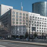 Hotel am François-Mitterrand-Platz