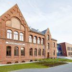 Der historische Altbau wurde durch einen ebenso wertigen, aber nicht dominierenden Neubau ergänzt.