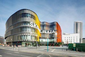 Alles unter einem Dach: Das Skyline Plaza hat mit rund 180 Shops und Dienstleistern auf rund 38.000 m² ein Einkaufsparadies im Herzen von Frankfurt geschaffen.