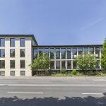 Im Zuge der denkmalgerechten Fassadensanierung wurde das Gebäude auch energetisch saniert.