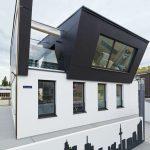 """Main das Projekt """"Symbiont"""" – eine Aufstockung auf einem Frankfurter Wohnhaus aus den 1950er-Jahren als Plusenergie-Bauweise."""
