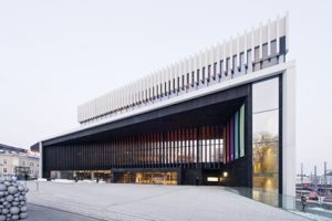 Musiktheater Linz mit verdeckt liegender Bandtechnik der Marke TECTUS