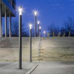 Blendfreie Lichtlenkung durch Multi-Lens-Technologie: die ConStela LED und ihr hocheffizientes Linsensystem sorgen für eine optimale Beleuchtung auf dem Campus.