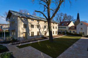 Sanierung des Herrenhauses und Amtshauses und Erweiterung von 6 Häusern