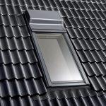 Mit Velux Smart Ventilation, dem ersten Lüfter mit Wärmerückgewinnung für Dachfenster, geht die Wärme mit der abziehenden Raumluft nicht verloren, sondern lässt sich zu 76 Prozent zurückgewinnen.