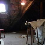 Vor dem Ausbau glich das Dachgeschoss eher einer dunklen Kammer.