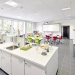 Die Labore und medizinischen Lehrbereiche wurden im Obergeschoss angeordnet.